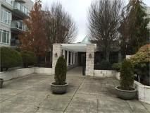 """Photo 1: 117 32085 GEORGE FERGUSON Way in Abbotsford: Abbotsford West Condo for sale in """"Arbour Court"""" : MLS®# R2077958"""