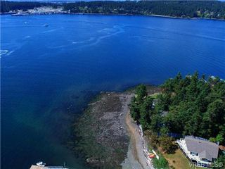 Photo 2: 19 McKenzie Cres in SIDNEY: GI Piers Island Single Family Detached for sale (Gulf Islands)  : MLS®# 735896