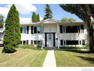 Main Photo: 1817 Madden Avenue in Saskatoon: Brevoort Park Single Family Dwelling for sale (Saskatoon Area 02)  : MLS®# 579955