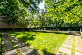 "Photo 2: 1003 RICHARDS Street in Vancouver: Downtown VW Townhouse for sale in ""MIRO"" (Vancouver West)  : MLS®# R2097525"