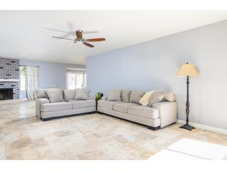 Photo 5: OCEANSIDE House for sale : 3 bedrooms : 4002 Via Los Padres