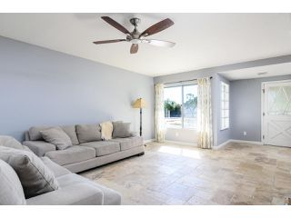 Photo 7: OCEANSIDE House for sale : 3 bedrooms : 4002 Via Los Padres