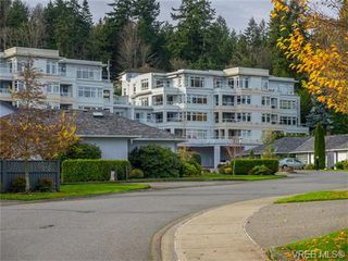 Photo 1: 102 5110 Cordova Bay Road in VICTORIA: SE Cordova Bay Condo Apartment for sale (Saanich East)  : MLS®# 372007