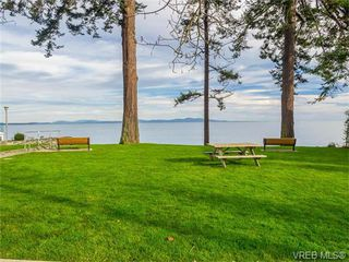 Photo 3: 102 5110 Cordova Bay Road in VICTORIA: SE Cordova Bay Condo Apartment for sale (Saanich East)  : MLS®# 372007