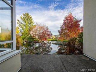 Photo 5: 102 5110 Cordova Bay Road in VICTORIA: SE Cordova Bay Condo Apartment for sale (Saanich East)  : MLS®# 372007
