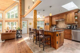 Photo 4: 2010 BLUEBIRD Place in Squamish: Garibaldi Highlands House for sale : MLS®# R2125373