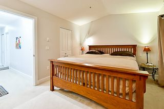 "Photo 13: 174 16177 83 Avenue in Surrey: Fleetwood Tynehead Townhouse for sale in ""VERANDA"" : MLS®# R2137820"