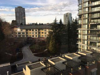 "Photo 3: 805 11 E ROYAL Avenue in New Westminster: Fraserview NW Condo for sale in ""VICTORIA HILL"" : MLS®# R2138405"