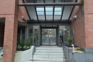 """Photo 3: 517 345 LONSDALE Avenue in North Vancouver: Lower Lonsdale Condo for sale in """"METROPOLITAN"""" : MLS®# R2156855"""