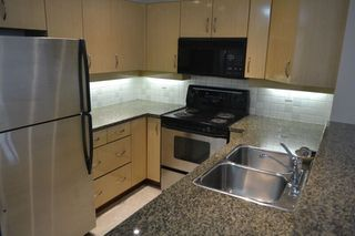 """Photo 8: 517 345 LONSDALE Avenue in North Vancouver: Lower Lonsdale Condo for sale in """"METROPOLITAN"""" : MLS®# R2156855"""