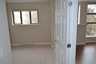 """Photo 15: 517 345 LONSDALE Avenue in North Vancouver: Lower Lonsdale Condo for sale in """"METROPOLITAN"""" : MLS®# R2156855"""