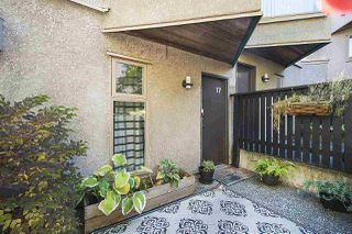 """Photo 2: 17 870 W 7TH Avenue in Vancouver: Fairview VW Townhouse for sale in """"Laurel Court"""" (Vancouver West)  : MLS®# R2210150"""