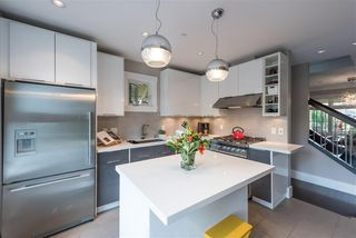 Photo 7: 335 W 11TH Avenue in Vancouver: Mount Pleasant VW Townhouse for sale (Vancouver West)  : MLS®# R2213238