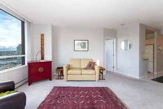 """Photo 10: 17D 199 DRAKE Street in Vancouver: Yaletown Condo for sale in """"Concordia I"""" (Vancouver West)  : MLS®# R2215450"""