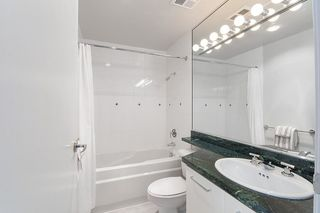 """Photo 4: 17D 199 DRAKE Street in Vancouver: Yaletown Condo for sale in """"Concordia I"""" (Vancouver West)  : MLS®# R2215450"""