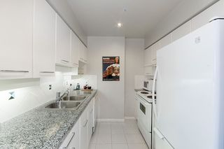 """Photo 3: 17D 199 DRAKE Street in Vancouver: Yaletown Condo for sale in """"Concordia I"""" (Vancouver West)  : MLS®# R2215450"""