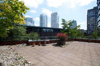 """Photo 19: 17D 199 DRAKE Street in Vancouver: Yaletown Condo for sale in """"Concordia I"""" (Vancouver West)  : MLS®# R2215450"""