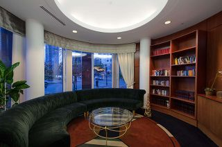"""Photo 16: 17D 199 DRAKE Street in Vancouver: Yaletown Condo for sale in """"Concordia I"""" (Vancouver West)  : MLS®# R2215450"""