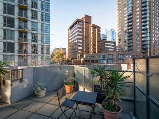 "Photo 8: 304 1212 HOWE Street in Vancouver: Downtown VW Condo for sale in ""1212 HOWE by Wall Financial"" (Vancouver West)  : MLS®# R2221746"