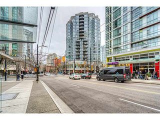 "Photo 6: 304 1212 HOWE Street in Vancouver: Downtown VW Condo for sale in ""1212 HOWE by Wall Financial"" (Vancouver West)  : MLS®# R2221746"