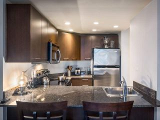 "Photo 11: 304 1212 HOWE Street in Vancouver: Downtown VW Condo for sale in ""1212 HOWE by Wall Financial"" (Vancouver West)  : MLS®# R2221746"