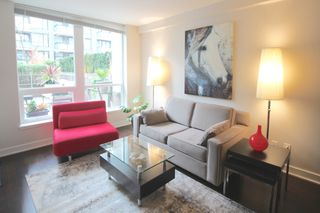Photo 4: 209 1055 Richards Street in Vancouver: Yaletown Condo for sale (Vancouver West)  : MLS®# R2220082