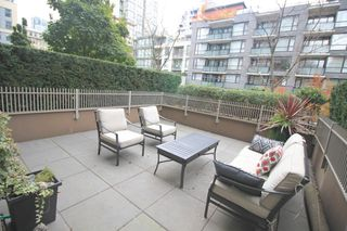 Photo 2: 209 1055 Richards Street in Vancouver: Yaletown Condo for sale (Vancouver West)  : MLS®# R2220082