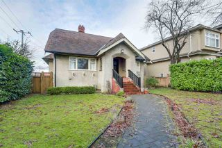 Photo 1: 3505 E 22ND Avenue in Vancouver: Renfrew Heights House for sale (Vancouver East)  : MLS®# R2238061