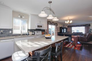 "Photo 11: 22928 123B Avenue in Maple Ridge: East Central House for sale in ""EAST CENTRAL"" : MLS®# R2239677"