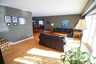 Photo 3: 27 Claus Bay Winnipeg Real Estate For Sale in Fraser's Grove