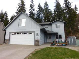 Photo 2: 730 Southeast 37 Street in Salmon Arm: Little Mountain House for sale (SE Salmon Arm)  : MLS®# 10153146