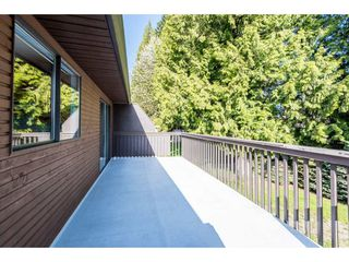 Photo 2: 15663 97 Avenue in Surrey: Guildford House for sale (North Surrey)  : MLS®# R2261045