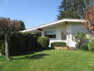 Photo 2: 2295 HOLLY Street in Abbotsford: Abbotsford West House for sale : MLS®# R2261945