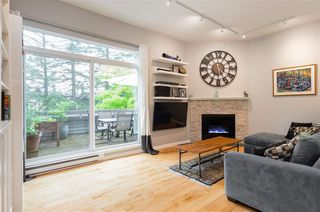 "Photo 2: 30 1240 FALCON Drive in Coquitlam: Upper Eagle Ridge Townhouse for sale in ""FALCON RIDGE"" : MLS®# R2262188"
