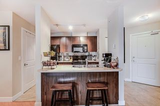"Photo 2: 427 12248 224 Street in Maple Ridge: East Central Condo for sale in ""URBANO"" : MLS®# R2262541"