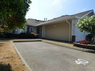 "Photo 3: 40 1973 WINFIELD Drive in Abbotsford: Abbotsford East Townhouse for sale in ""Belmont Ridge"" : MLS®# R2295464"