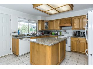 Photo 12: 15687 80 Avenue in Surrey: Fleetwood Tynehead House for sale : MLS®# R2304054