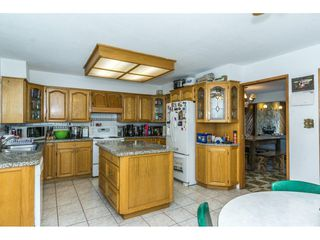 Photo 11: 15687 80 Avenue in Surrey: Fleetwood Tynehead House for sale : MLS®# R2304054