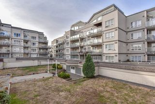 "Photo 2: 103 14377 103 Avenue in Surrey: Whalley Condo for sale in ""CLARIDGE COURT"" (North Surrey)  : MLS®# R2313054"