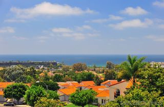 Photo 2: CARLSBAD SOUTH Condo for rent : 2 bedrooms : 6673 Paseo Del Norte #J in Carlsbad