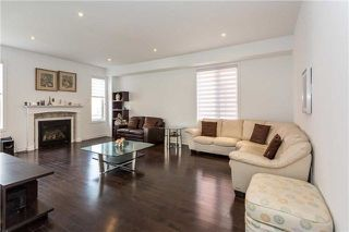 Photo 5: 8 Platform Crescent in Brampton: Northwest Brampton House (2-Storey) for sale : MLS®# W4288469