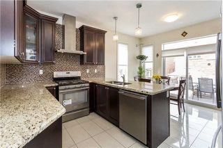 Photo 8: 8 Platform Crescent in Brampton: Northwest Brampton House (2-Storey) for sale : MLS®# W4288469