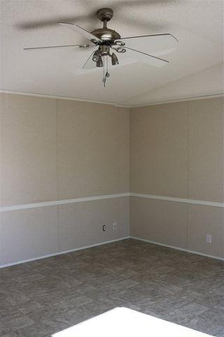 Photo 8: 432 Oak Wood Crescent Avenue in Edmonton: Zone 42 Mobile for sale : MLS®# E4141131