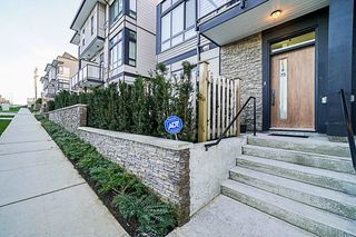 """Photo 3: 75 14058 61 Avenue in Surrey: Sullivan Station Townhouse for sale in """"Summit"""" : MLS®# R2336509"""