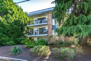 "Main Photo: 105 1544 FIR Street: White Rock Condo for sale in ""JUNIPER ARMS"" (South Surrey White Rock)  : MLS®# R2363997"