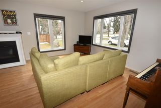 Photo 2: 10205 133 Street in Edmonton: Zone 11 House for sale : MLS®# E4154466