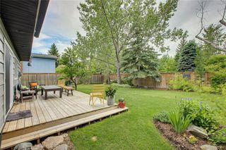 Photo 2: 136 OAKMOUNT Road SW in Calgary: Oakridge Detached for sale : MLS®# C4255833