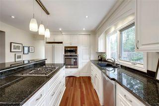 Photo 11: 136 OAKMOUNT Road SW in Calgary: Oakridge Detached for sale : MLS®# C4255833