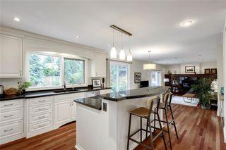 Photo 12: 136 OAKMOUNT Road SW in Calgary: Oakridge Detached for sale : MLS®# C4255833