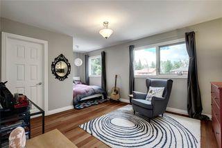 Photo 28: 136 OAKMOUNT Road SW in Calgary: Oakridge Detached for sale : MLS®# C4255833
